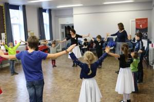 Csillagszeműek Anglia magyar néptánc oktatás Londonban
